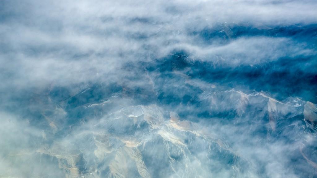 播音主持自备稿件她在云中笑